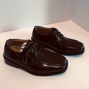 Hugo Vitelli Tuxedo- Dress Shoes. New box. Sz 11.5